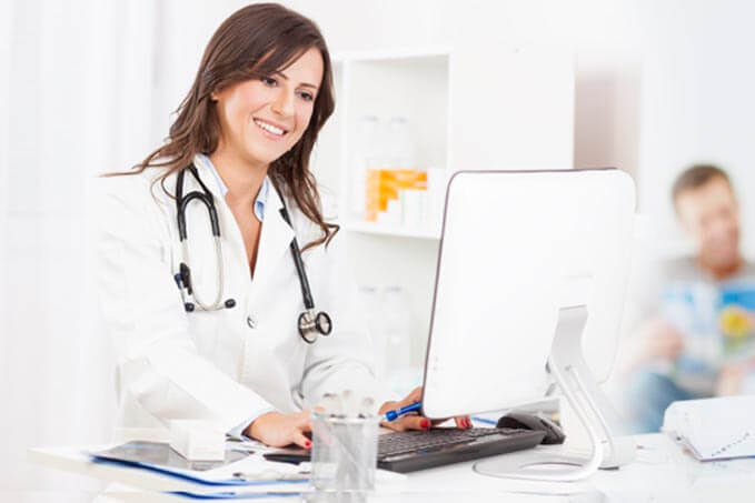 Live Chatting To Discuss About Your Diseases With Our Expert Naturopathic Doctor